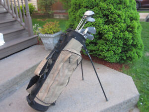 Men's Right Hand 13-pc Golf Clubs Set (Spalding Tour) & Golf Bag
