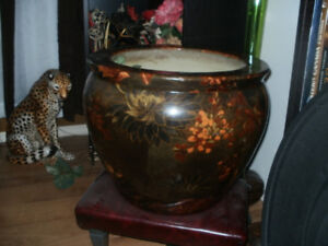 Beautiful Large Asian Planter...in Good Condition