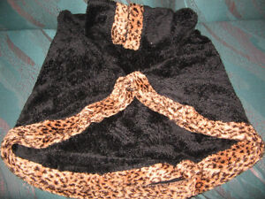 LEOPARD DESIGN BODY SUIT & FUR CAPE