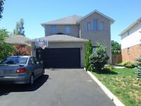 A Beautiful House in Ancaster is for Rent