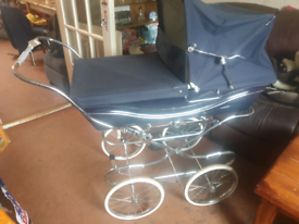 Coach build traditional silver cross pram