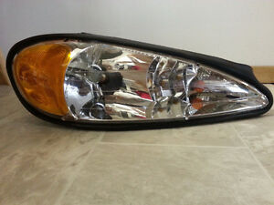 Pontiac Grand AM 1998-2005 passenger  side Headlight Assembly.