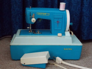 """Collectible """"Sister"""" Toy Sewing Machine"""