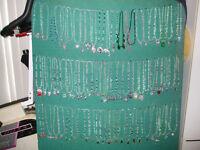 Beau Collier en cristal et pierre semi précieuse spécial $20.