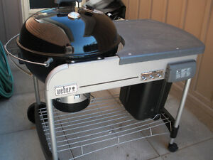 NEW Weber Charcoal BBQ Centre