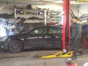 Nissan Maxima for ParTS or Road  P A R T O U T o