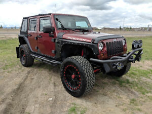 *MINT* Jeep Wrangler Unlimited Rubicon Lots of extras