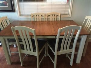 Dining table for 6 and matching china cabinet