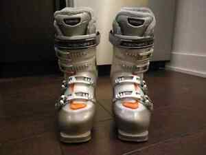Women Skis boots size 23.5 (6.5)