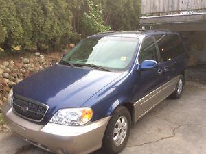 2005 Kia Sedona EX w/Luxury Pkg Minivan, Van