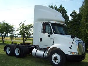 2005 International 8600 DAY CABS