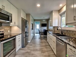 Stunning home, huge lot, gorgeous new kitchen, many upgrades!