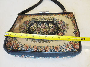 Vintage 1950's Ladies La Marquise Fine Italian Tapestry Purse Kitchener / Waterloo Kitchener Area image 4