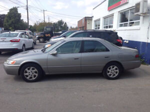Toyota Camry XLE Sedan - Need to sell today, best offer takes it