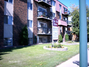 AMBER COURT - DELUXE 3 BDR - 10966 124 St- Best in Area!!