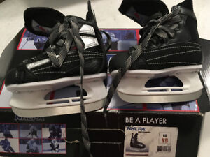 Youth size 9 NHLPA Skates excellent condition