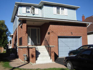 3 Bedroom House in Central Oshawa - All Utilities Included!