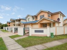Low Maintenance Townhouse in Central Location Acacia Ridge Brisbane South West Preview