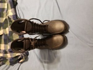 Girls Bogs CAMI black waterproof lace up boots, size 2, $40