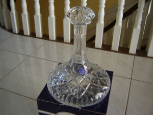 Royal  Doulton  Finest  Crystal  Decanter  100% New