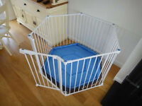 Lindam playpen in excellent condition
