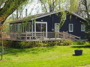 maison avec garage et accès au Lac St-François