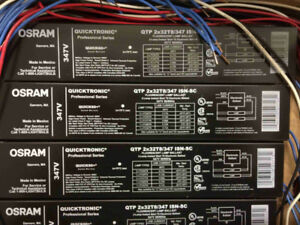 NEW in box Ballasts Osram Sylvania Quicktronic 2X32T8/347V - 12$
