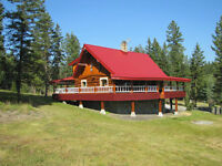EXCLUSIVE CASTLE ROCK LOG HOME. 150 Mile House, Cariboo, BC, Can