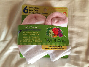 New! Fruit of the Loom 6 pack of socks size 3-5 years