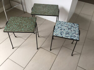 2 Petite Tables ** Vintage ** 2 Small Tables / Plant Stands