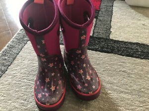 c706aa9a3 Bogs   Buy or Sell Clothing for Kids, Youth in Ottawa   Kijiji ...