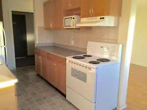 Southgate 2 Bedroom Apartment-Free TV & Internet