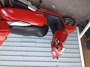 2013 KYMCO Like 50 Scooter $1500.00 OBO