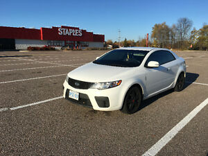 2010 Kia Forte EX Coupe (2 door)