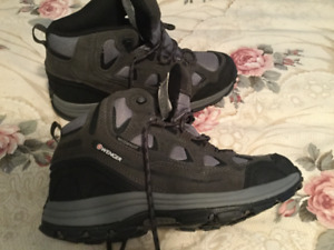 Boys Hiking Boot, size 8.5