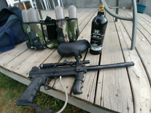 PaintBall Gun with Scope and belt