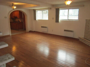 VERY BIG 2 1/2 FOR RENT HEATING ELECTRICITY AND CABLE TV INCLUDE