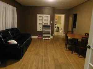 House For Rent in Aylmer London Ontario image 2