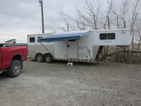 Sooner 3 Horse/with Living Quarters