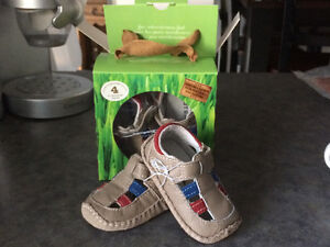Outback size 4 Toddler Sandals