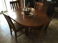 Kitchen table set w/ 4 chairs