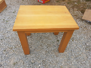 Nicely finished table. 26 x wide by 26 deep by 21 inch high