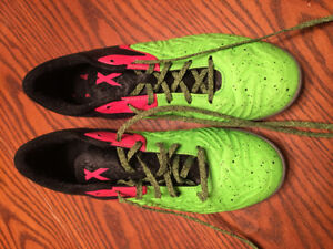 Men's Adidas Indoor Soccer Shoes Size 8.5 like new