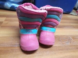 Girl winter boots - size 10