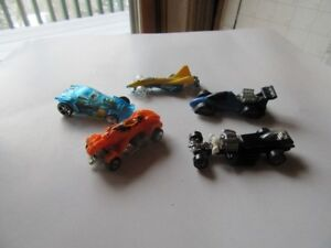 HOT WHEELS CARS AND TRUCKS - LOT A