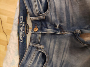 BRAND NEW American Eagle Jeans, never worn!!