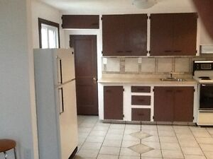 1 bedroom upstairs apartment for rent