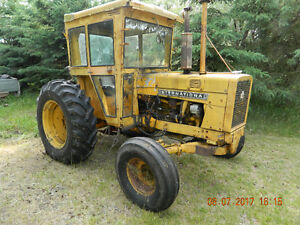 2656 IH  tractor  for  sale  with  attachements -  REDUCED