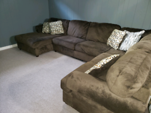 Outstanding 7 Ft Couch Buy And Sell Furniture In Ontario Kijiji Evergreenethics Interior Chair Design Evergreenethicsorg