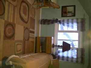 ROOM FOR STUDENTS Moose Jaw Regina Area image 3